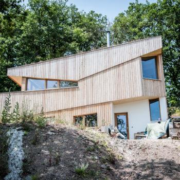 maison ossature bois, bardage vertical en bois