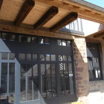 Rénovation en bois d'une grange en maison d'habitation