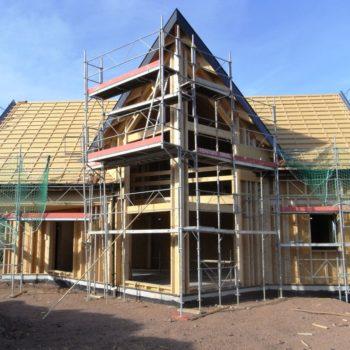 Levage d'une maison individuelle ossature bois