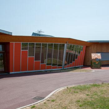 Ecole primaire ossature bois, revêtement bardage bois