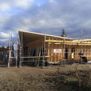 Levage d'une école primaire ossature bois