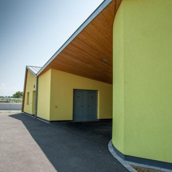 Ecole primaire ossature bois revêtement crépi et bois