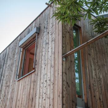 Maison en bois, bardage en bois naturel