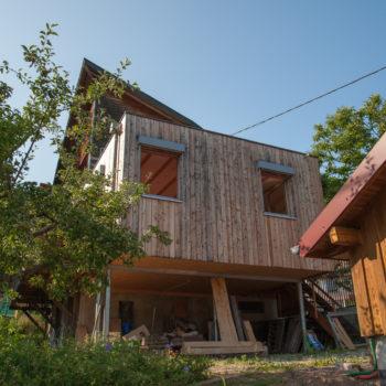 Maison individuelle en bois, bardage en bois naturel