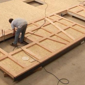 Création d'un mur en bois à colombage, maison charpente bois à colombage