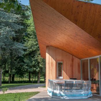 Bâtiment public ossature bois, revêtement bois bardage