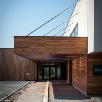 pare-soleil en bois, bardage bois horizontal
