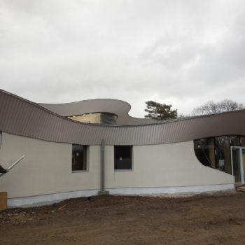 Bâtiment courbé bois