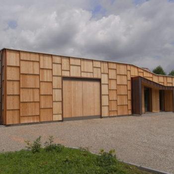 Bâtiment ossature bois bardage en bois