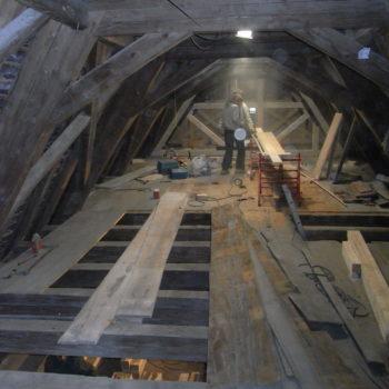 Rénovation en bois de la charpente d'un monument